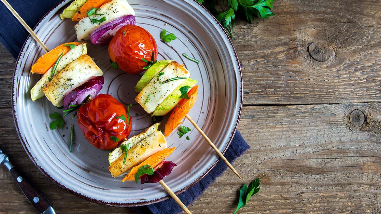Spiedini di verdure e provolone