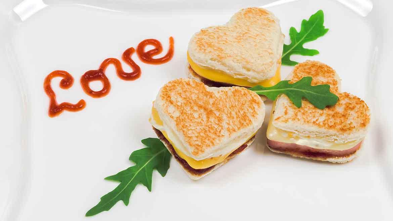 Mini toast romantici